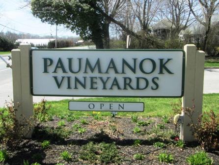 paumonok sign